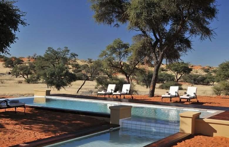 Intu Africa-Zebra Kalahari Lodge - Pool - 4