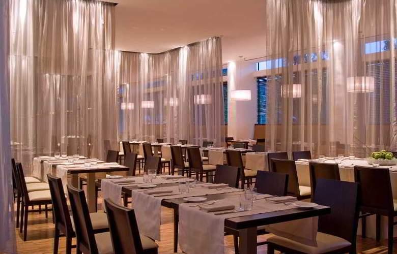 Doubletree by Hilton Milan - Restaurant - 8