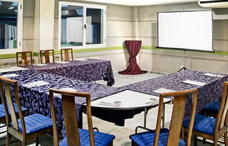 Rosaleda del Mijares - Conference - 15