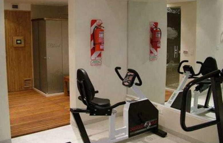 Chateau Blend Hotel - Sport - 9