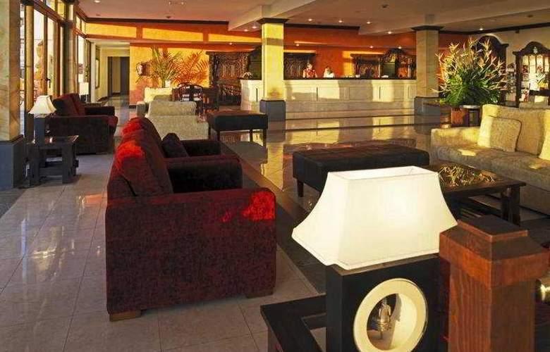 Regency Country Club Apartments Suites - General - 3