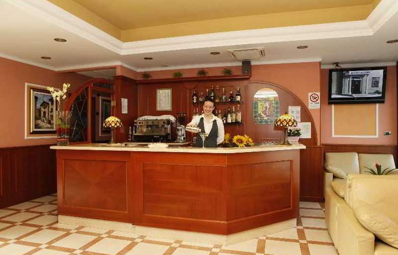 Vald Hotel - Bar - 3