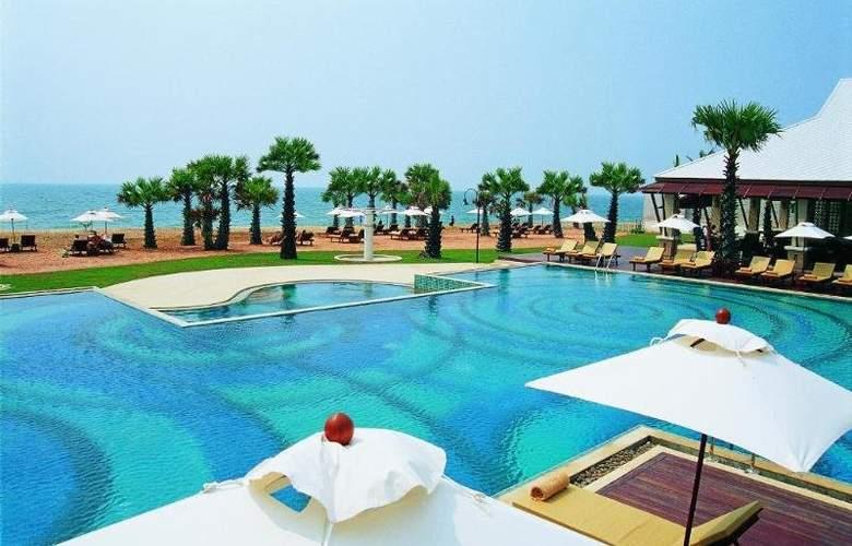 Ravindra Beach Resort & Spa - Pool - 5