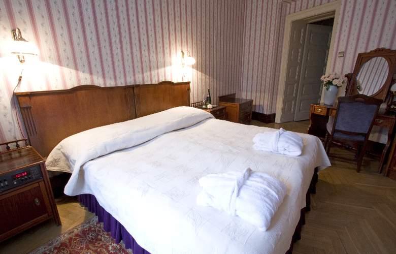 Francuski - Room - 16