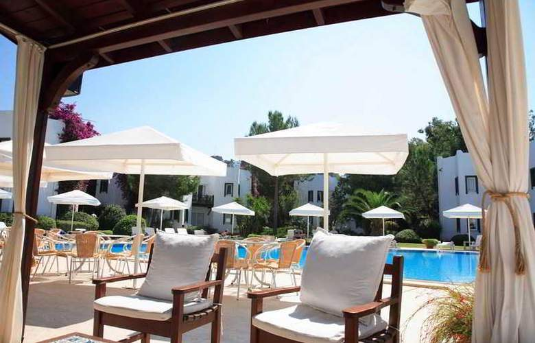 Princess Artemisia Hotel - Pool - 20