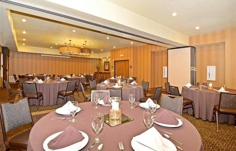 Best Western Plus Christopher Inn & Suites - Restaurant - 199
