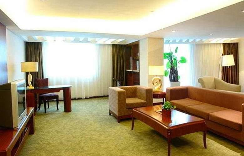 Donlord International - Room - 1
