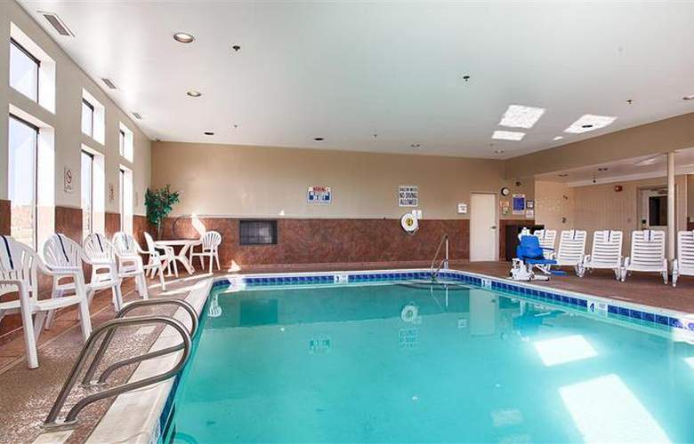 Best Western Plus Liverpool Grace Inn & Suites - Pool - 38