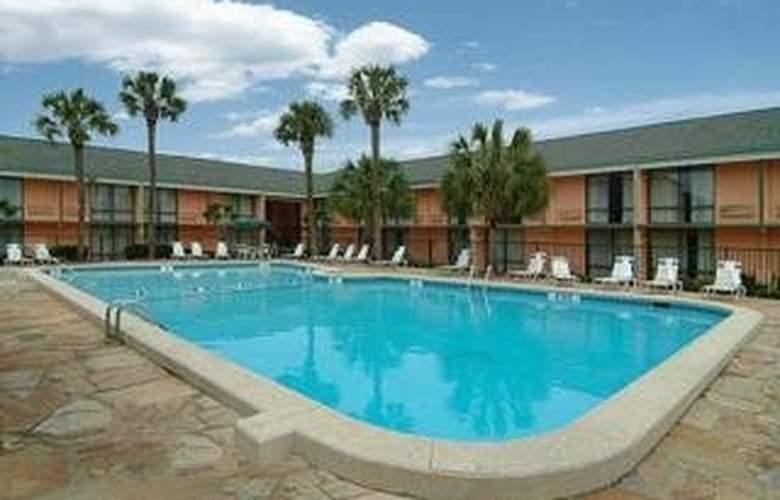 Sleep Inn (Charleston/Historical) - Pool - 4