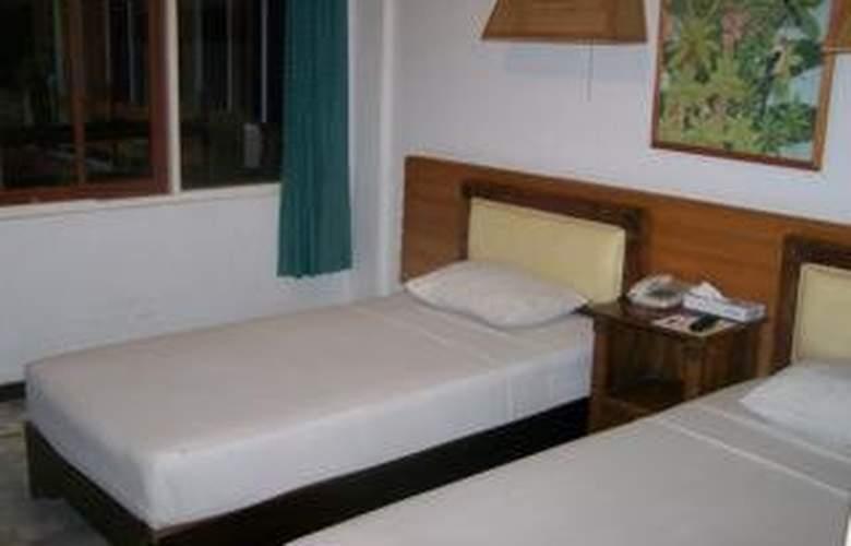 Karthi - Room - 3