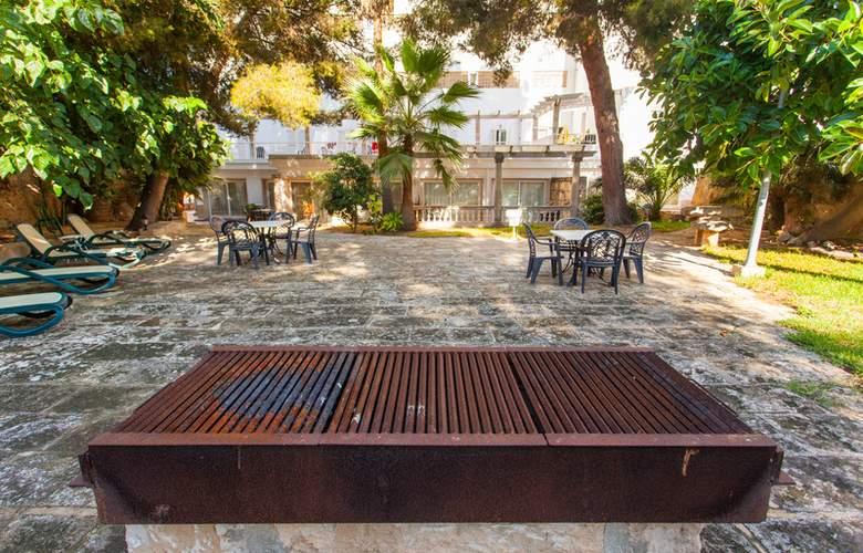 Apartamentos Benhur - Terrace - 6