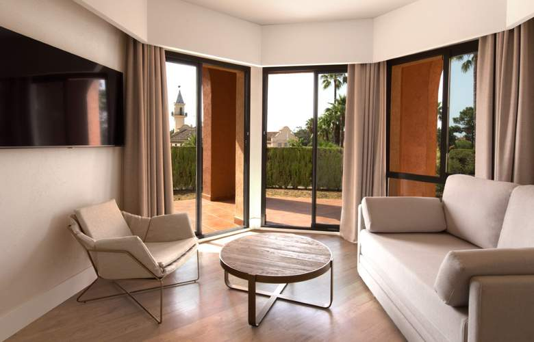 DoubleTree by Hilton Islantilla Beach Golf Resort - Room - 13