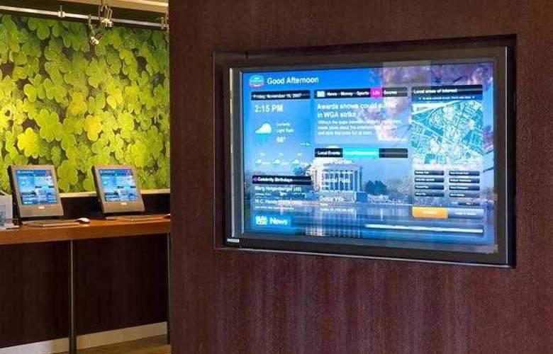 Courtyard Orlando Airport - Hotel - 1