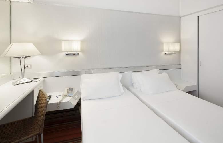 NH Napoli Panorama - Room - 20