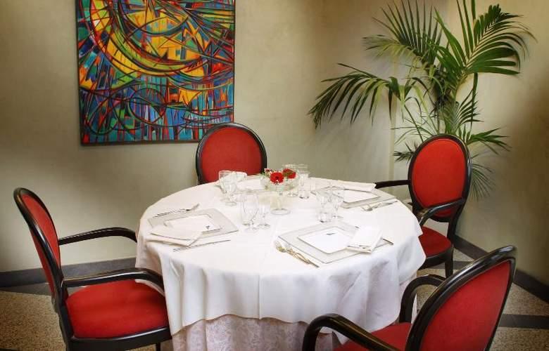Pacific Fortino - Restaurant - 5