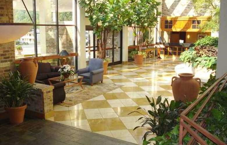 DoubleTree by Hilton Hotel Oak Ridge Knoxville - Hotel - 4