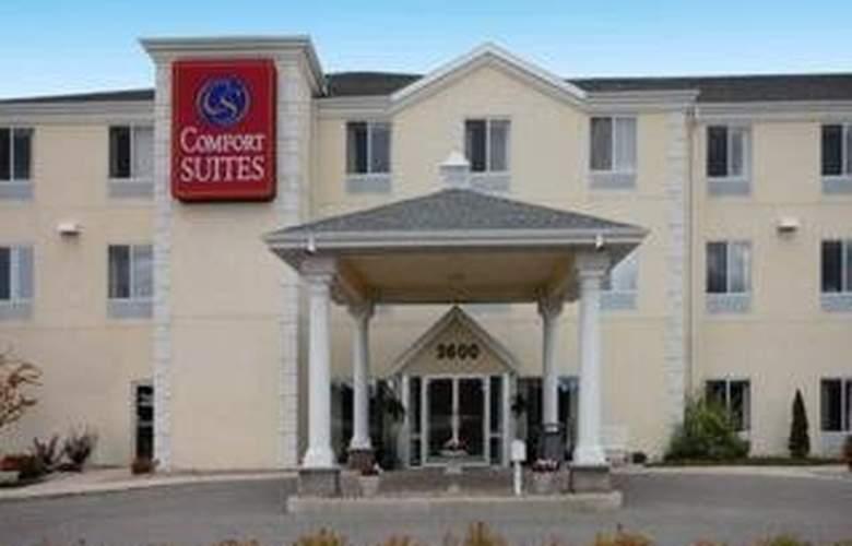 Comfort Suites (Escanaba) - Hotel - 0