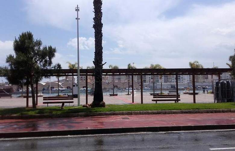 Apartamentos Gandia Low Cost sin piscina 3000 - Environment - 1