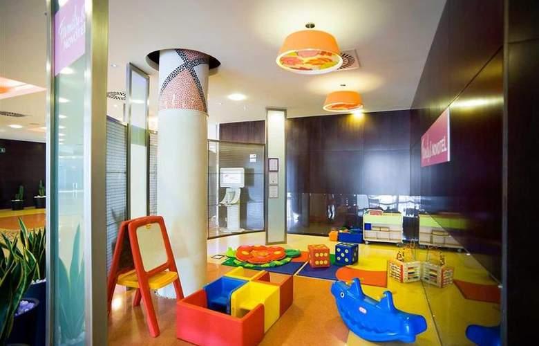 Novotel Barcelona Cornella - Hotel - 9