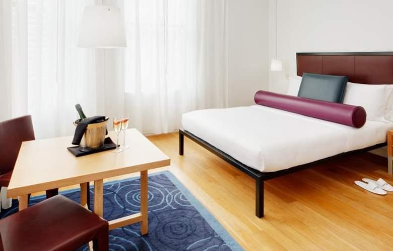 Bryant Park - Room - 9
