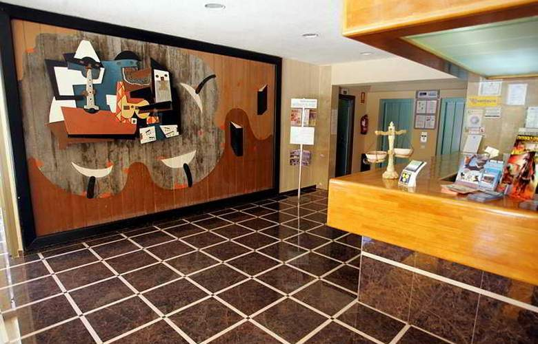 Picasso - Room - 2
