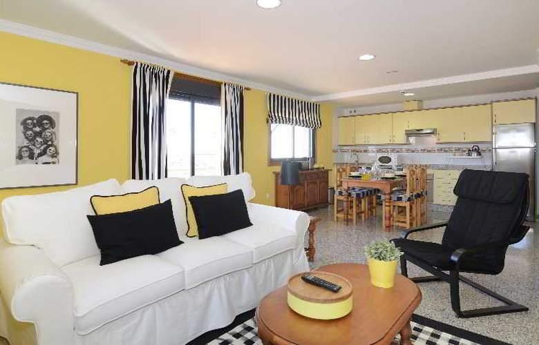 Apartamentos Nuria Sol - Hotel - 0