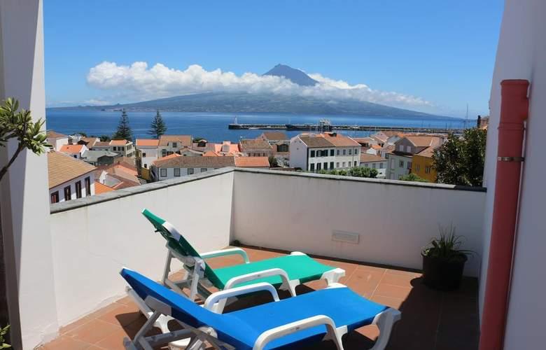 Apartamentos Turísticos Verde Mar - Terrace - 3