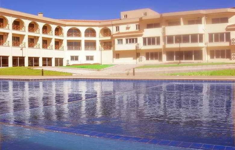 The West Queen Resort - Pool - 5