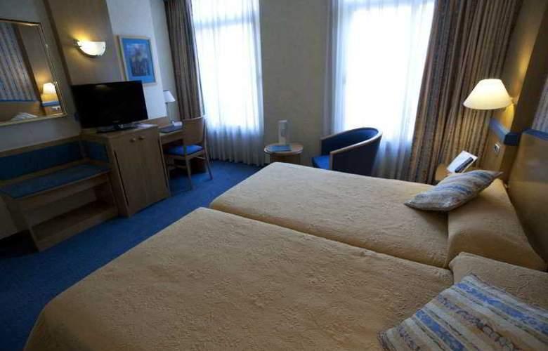 Gran Versalles - Room - 13