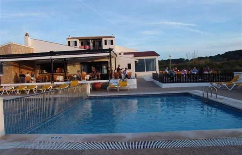 Isla Paraiso - Pool - 17