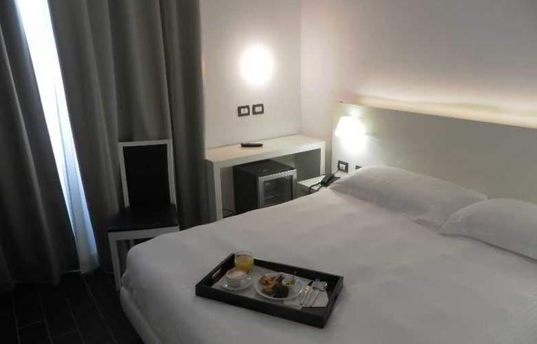 Smart Hotel Central Station - Room - 13