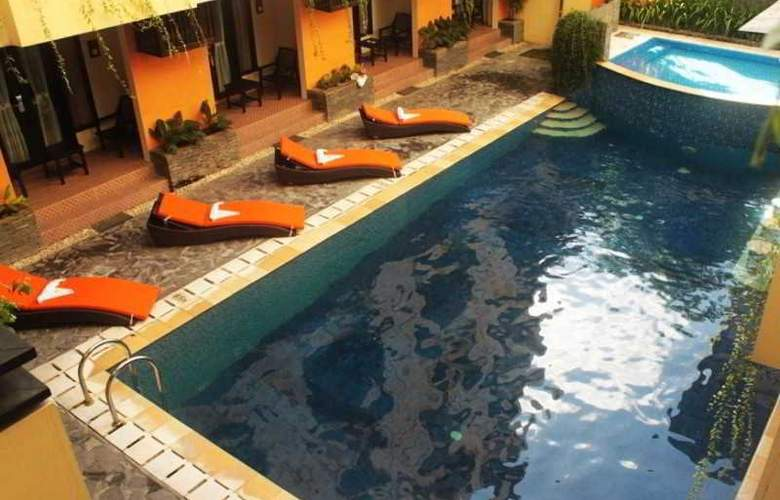 The Losari Hotel and Villas - Pool - 9
