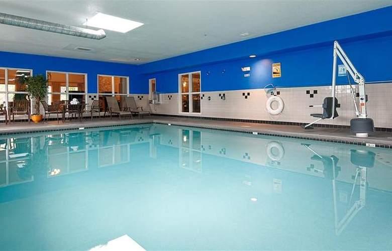 Best Western Plus Peppertree Auburn Inn - Pool - 4