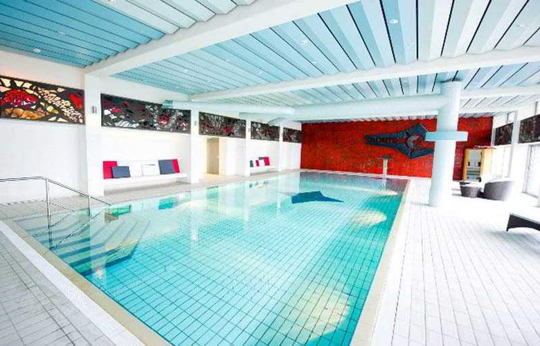 Jakobsberg Hotel- & Golfresort - Pool - 2