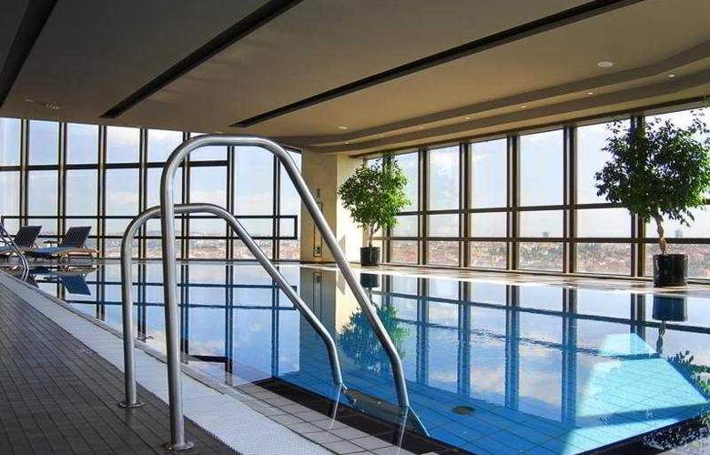 Corinthia Hotel Prague - Pool - 8