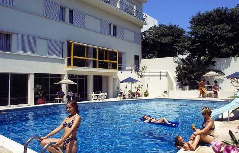 Kriti - Pool - 4