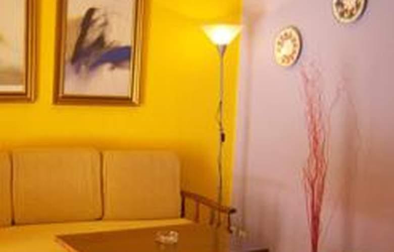 Apartamentos Altair / Eurovosa - Room - 2