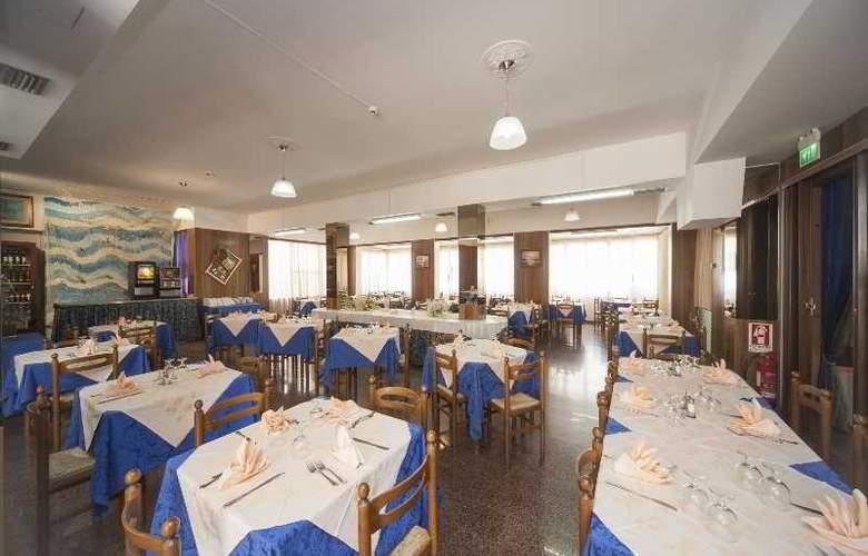 Gemini Hotel - Restaurant - 4