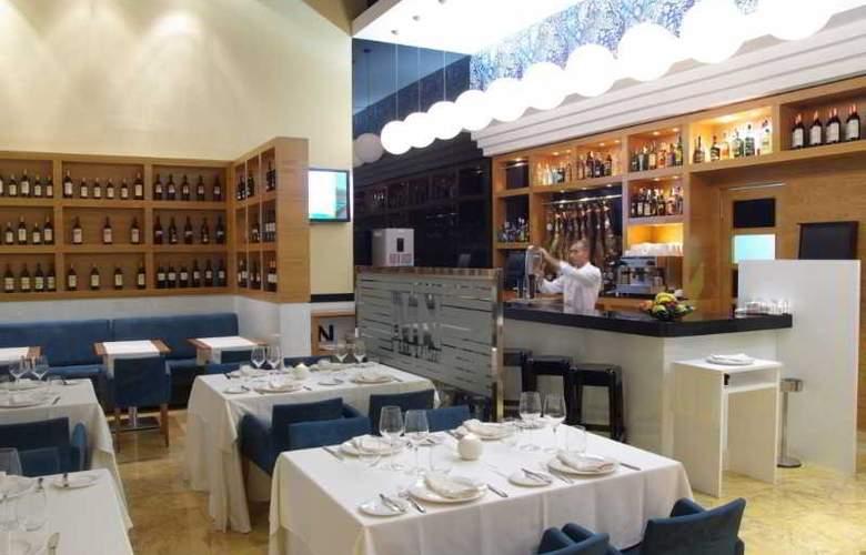 Malaga Nostrum - Hotel - 13