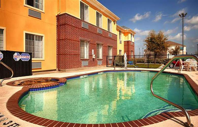 Best Western Fort Worth Inn & Suites - Pool - 75