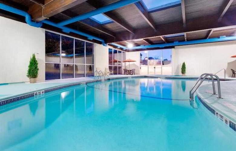 Holiday Inn Norwich - Pool - 25