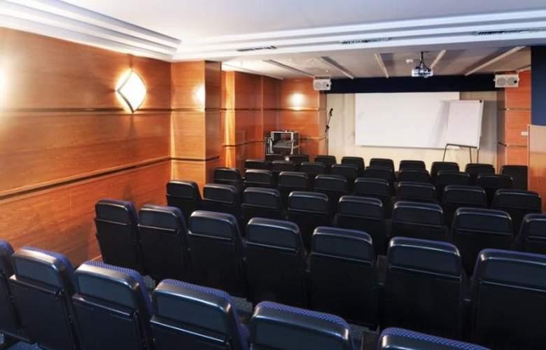 Fénix Torremolinos - Conference - 5