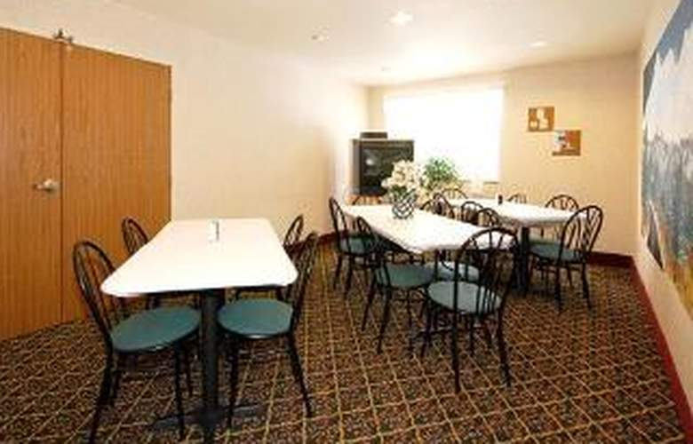 Quality Inn & Suites - General - 4