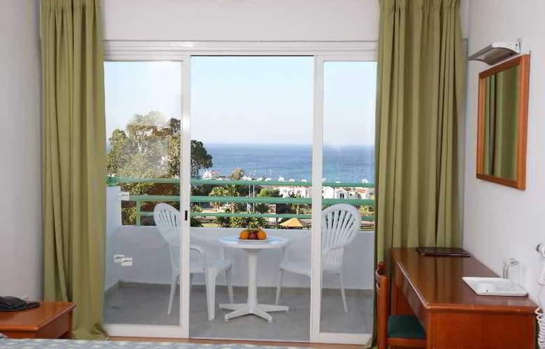 Adelais Bay - Room - 8