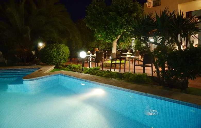 Azuline Hotel Galfi - Pool - 21