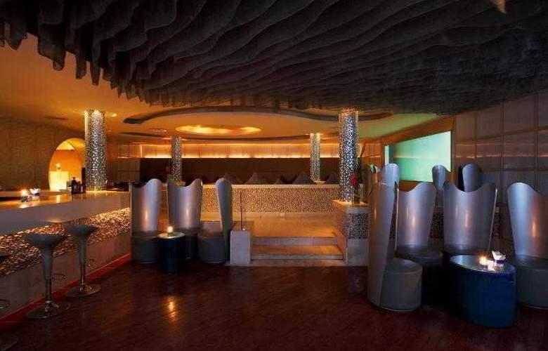Centara Grand Beach Resort and Villas Krabi - Bar - 44