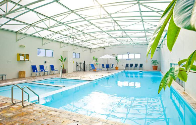 Rydges Rotorua - Pool - 11
