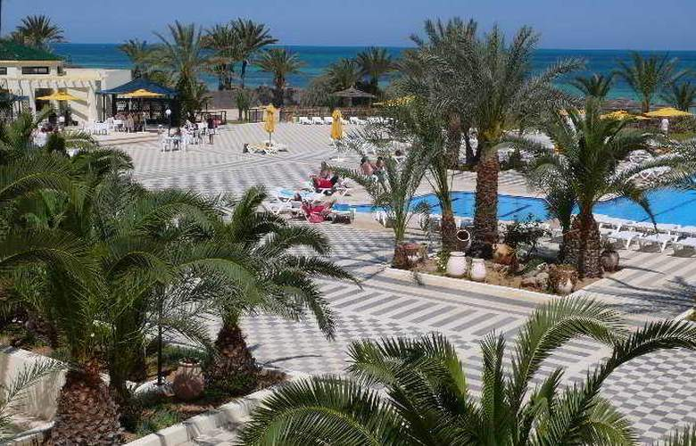 Diana Beach - Pool - 5