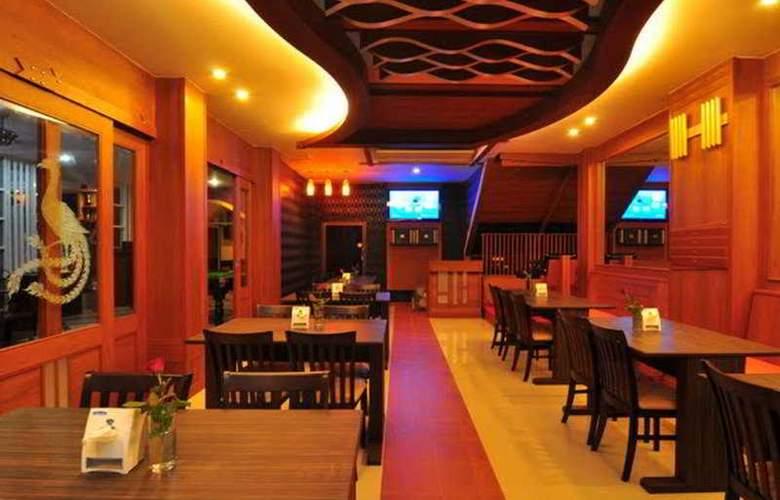 Triple Rund Place - Restaurant - 4