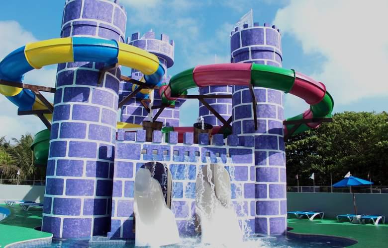 Seadust Cancún Family Resort - Pool - 30